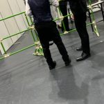 【コラム】【悲報】乃木坂オタさん、握手の録音がバレて取り押さえられる