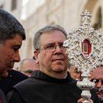 【宗教関連】キリストが寝た飼い葉桶の木片、1300年ぶりにパレスチナ自治区ベツレヘムに里帰り