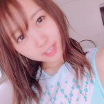 【声優】【悲報】人気声優・芹澤優さん、SNSにあげた写真に彼氏が映り込む