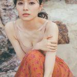 【梅澤美波】【先行カット4枚目解禁!】思わず、ドキッとする色香のある梅ちゃんです。#梅澤美波1st写真集