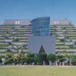 【VIP・なんj】「数十年後に森になる」計画で作られたビル→25年が経過