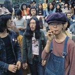 【画像】50年前の若者たちがかっこいいとワイのなかで話題に