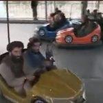 【海外】【無慈悲】タリバン兵がはしゃいで遊んだ遊園地 遊び終わったら丸ごと燃やしてしまう 理由は……  [916176742]