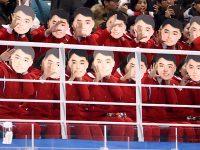 やりやがった! 北朝鮮の応援団が金日成のお面を付けて応援し炎上 「怖すぎる」との声も【話題】