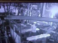 【事件・事故】【インド】工場長が悪質なイタズラで従業員を死なせ逃亡 [09/24]