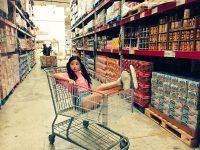 【田村芽実】田村芽実がショッピングカートに乗って遊んでる件