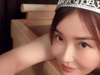 【モデル】【芸能】平子理沙、48歳誕生日の温泉でティアラで賛否両論「「お姫様!」「イタすぎる」