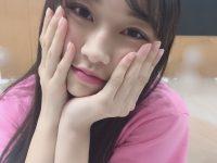 【モーニング娘。'19】さゆが牧野真莉愛ちゃんがこっちを見つめるとっても可愛い画像をうpしてくれたよ!!!!!!!!!!!!