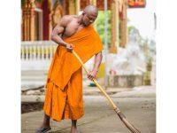 【仏教】ガチムチ過ぎる僧侶が話題 これはリアルモンクですわ【海外】