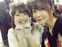 【悲報】渡辺麻友の卒業コンサートで撮影した麻友本人との2ショット画像をあげたメンバーがたったの6人wwwwwwwwww【AKB48】